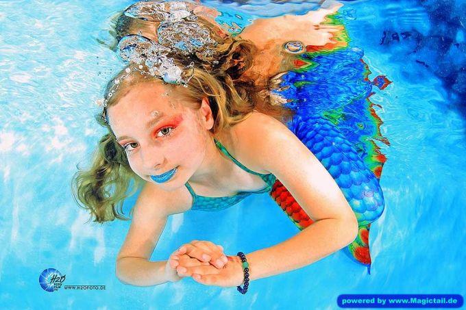 Mermaid H2O Unterwasser Fotoshooting:Fotoshooting Unterwasser - Meerjungfrauen Portrait by H2OFoto.de-taucher
